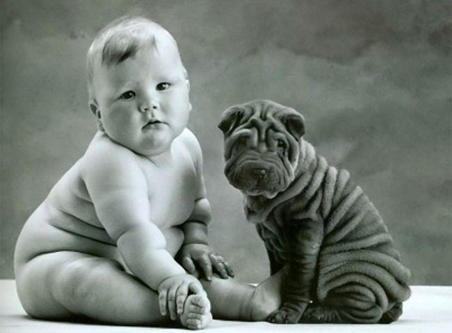 Bebé super tierno con perro, Baby with dog