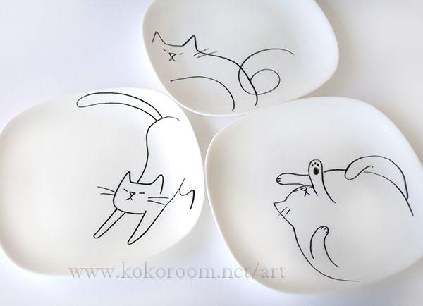 らくやきマーカーで白皿に猫を描いてみる。 http://www.kokoroom.net/art/art/397.html