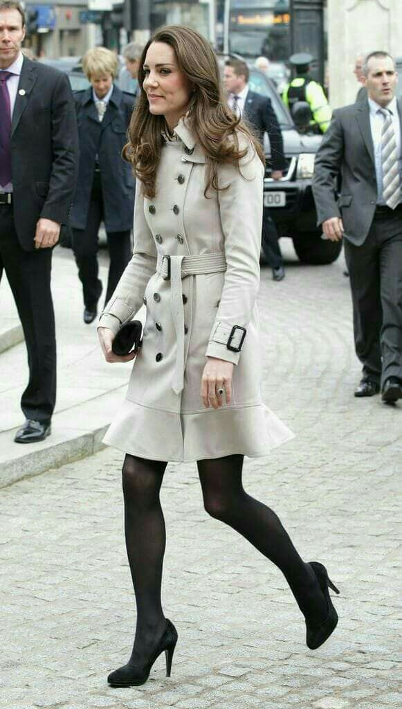 Kate wearing her Burberry Littleton trench coat in Belfast, Northern Ireland, February 2011.
