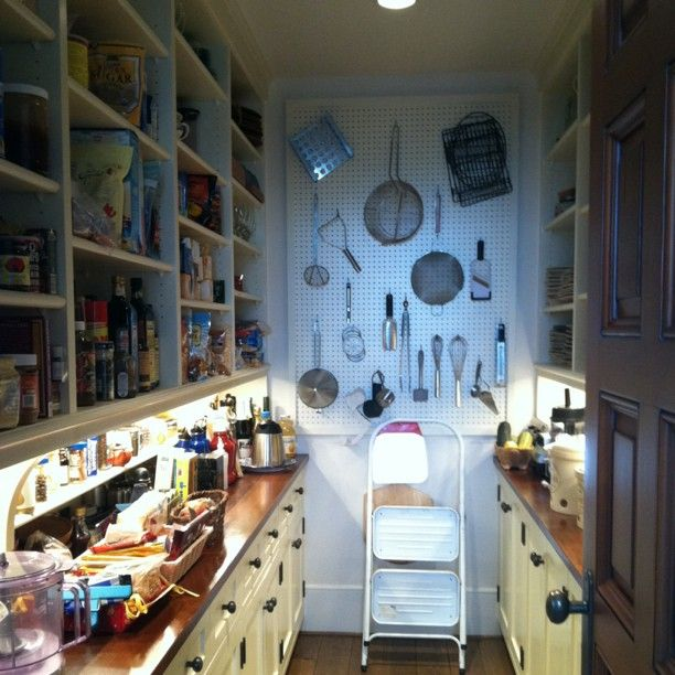 22 best images about galley pantry on pinterest for Perfect galley kitchen