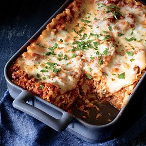 Classic Lasagna with Meat Sauce Recipe
