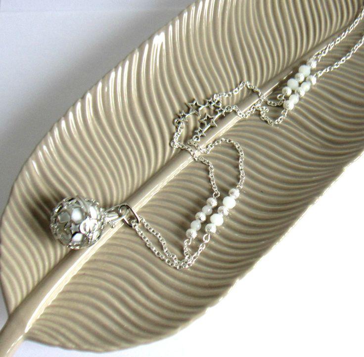 Bola de grossesse argenté et blanc, cadeau femme enceinte, étoiles, stardust, verre : Collier par color-life-bijoux