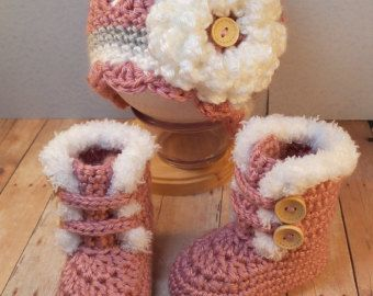 Crochet Baby Girl Fur Trim Boots and Hat with Flower