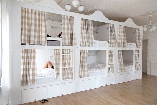 le Soul Kitchen Hostel Junior de Saint Petersbourg est sur la berge de la rivière