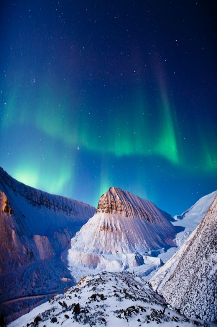Aurora in Longyearbyen, Norway