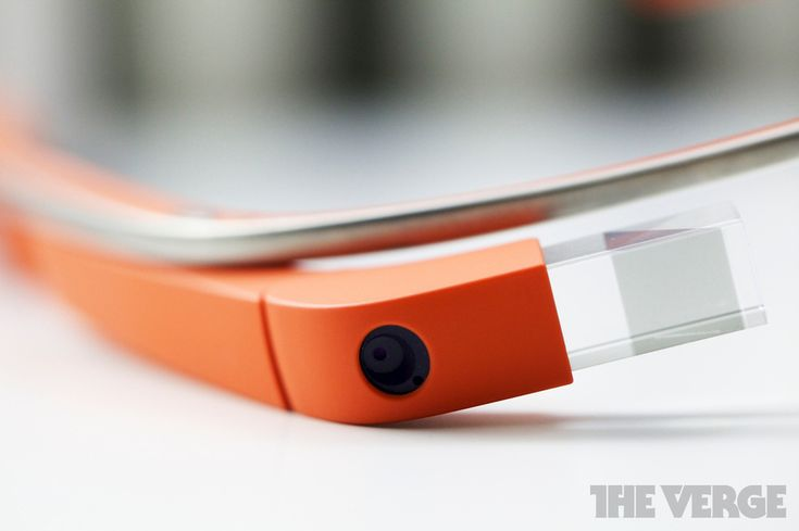 Google Glass-wearing movie patron questioned by Homeland Security agents as potential pirate