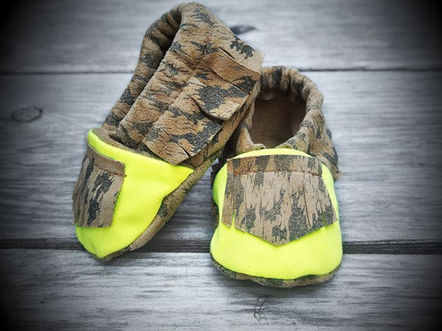 Tomahawks - The Wild mocs in neon yellow