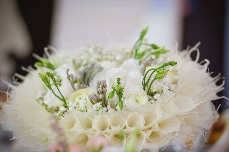 Bridal bouquet with ivory skeleton leaves by Atelier Floristic Aleksandra concept Alexandra Crisan