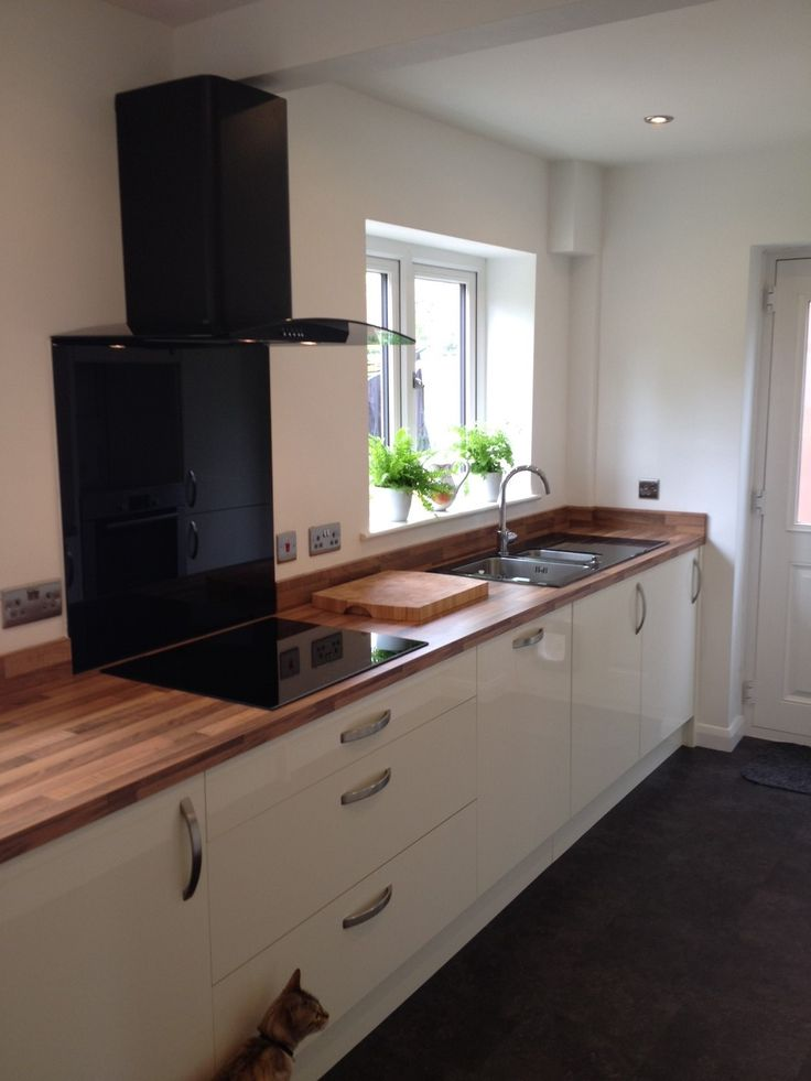 autograph cream gloss a simple yet effective design in creating a and look in this kitchen the light walnut worktop and smart