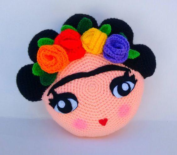 Patrón cojín Frida amigurumi por AmigurumisSV en Etsy