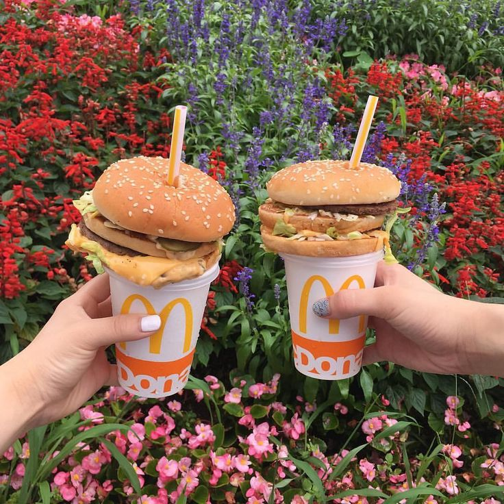Today in weird things people are doing to food, a crime worse than dipping fries in milkshakes: topping a drink with a burger and sticking a straw through it.    Hamburger straws are a hot new trend in Japan.