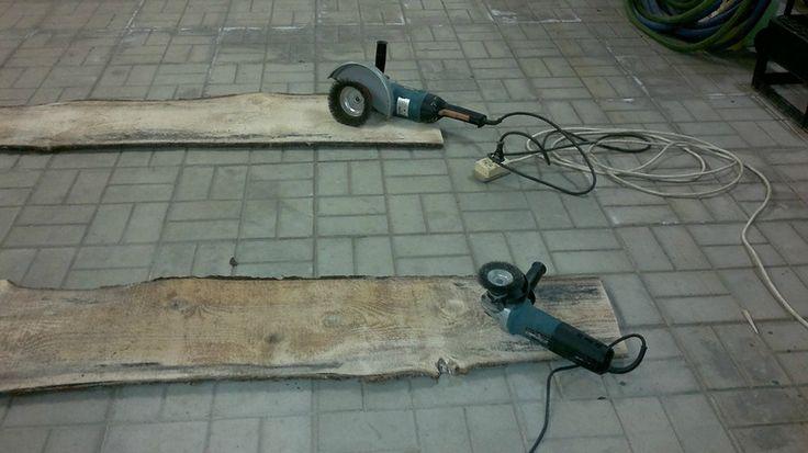 Состаривание древесины в домашних условиях. Часть вторая. Проявление фактуры дерева и покраска.