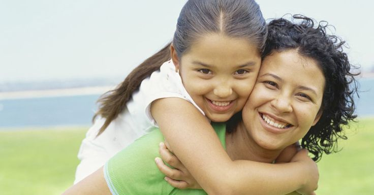 """Psychologists at Harvard University have found that parents who raise """"good"""" kids do these 5 things."""