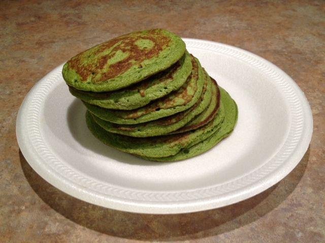 Paleo Pancakes: Banana, egg, spinach, cinnamon, and stevia.