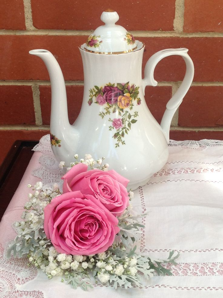 complement the pattern of your high tea china with fresh flowers www.houseofthebride.com.au