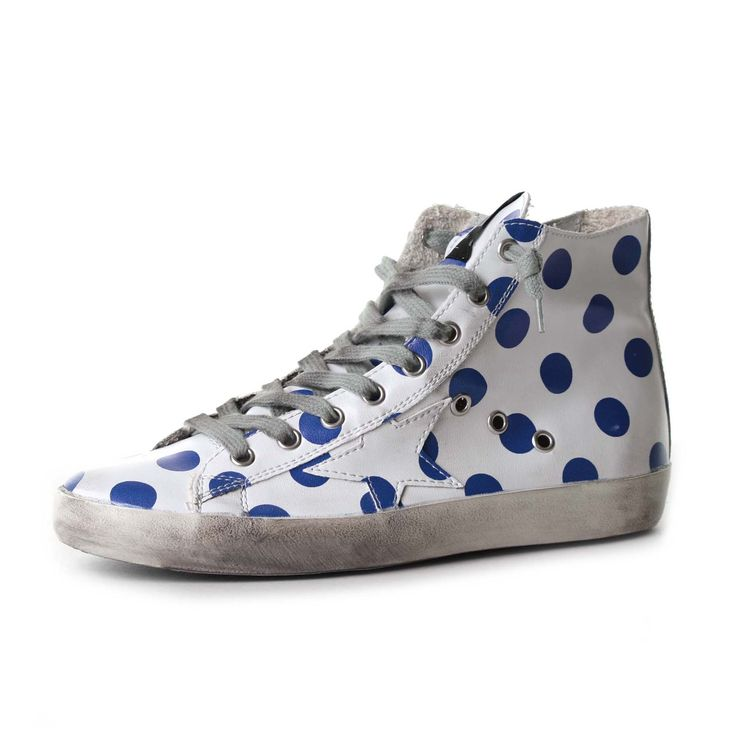 Sneakers Francy by Golden Goose Deluxe Brand in pelle con pois blu a contrasto e stella in pelle bianca applicata. #goldengoose #sneakers #teenager #bambina #madeinitaly #annameglio #shoponline