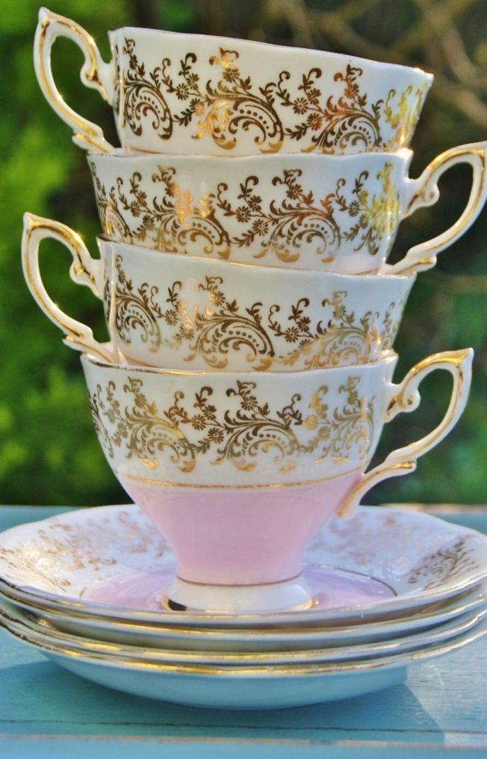 pretty pastel pink filigree gilding fine bone china Royal Standard Vintage Teacups and Saucers