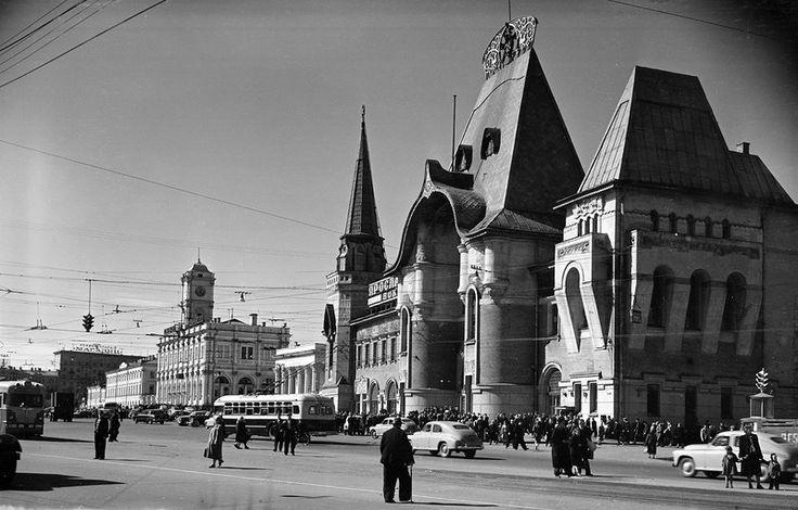 Комсомольская площадь. Ярославский вокзал С.Фридлянд