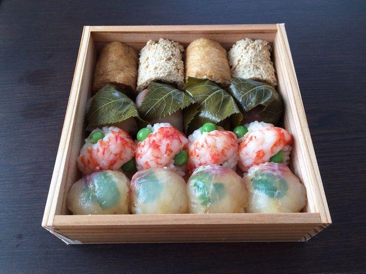 手まり寿司 稲荷、鯖桜寿司、車海老、桜鯛ヅケ