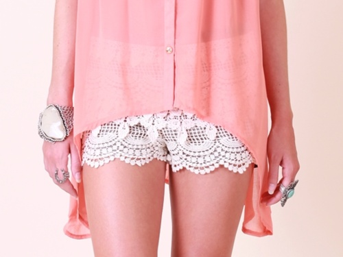 lace shortsStyle, Shorts Shorts, Bracelets, Clothing Accessories, Fashion Obsession, Wear, Coral Tops, Lace Shorts, Dreams Closets