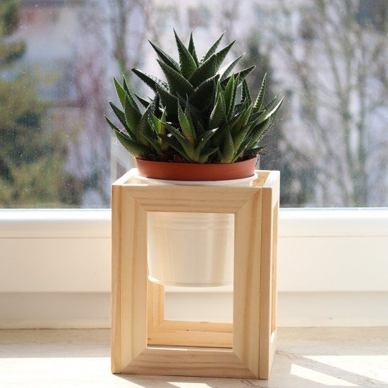 17 best ideas about diy plant stand on pinterest plant. Black Bedroom Furniture Sets. Home Design Ideas