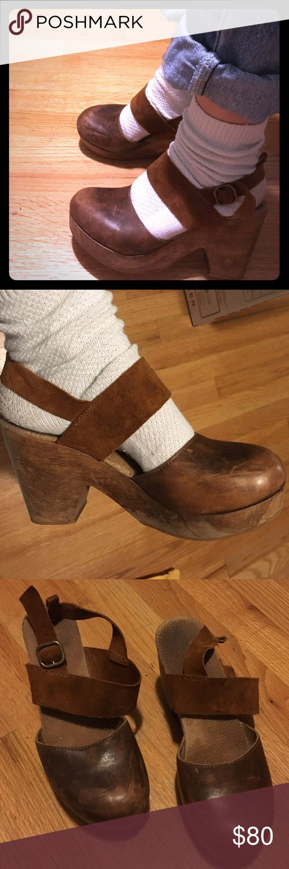 Free People Belmont Clog Super cute FP clogs. I bought them a few years ago and I've only worn them a handful of times. They look perfect with some cute socks and tights.. And anything really! Hope they find a home where they'll be shown off more. Comment with any questions! Free People Shoes Mules & Clogs