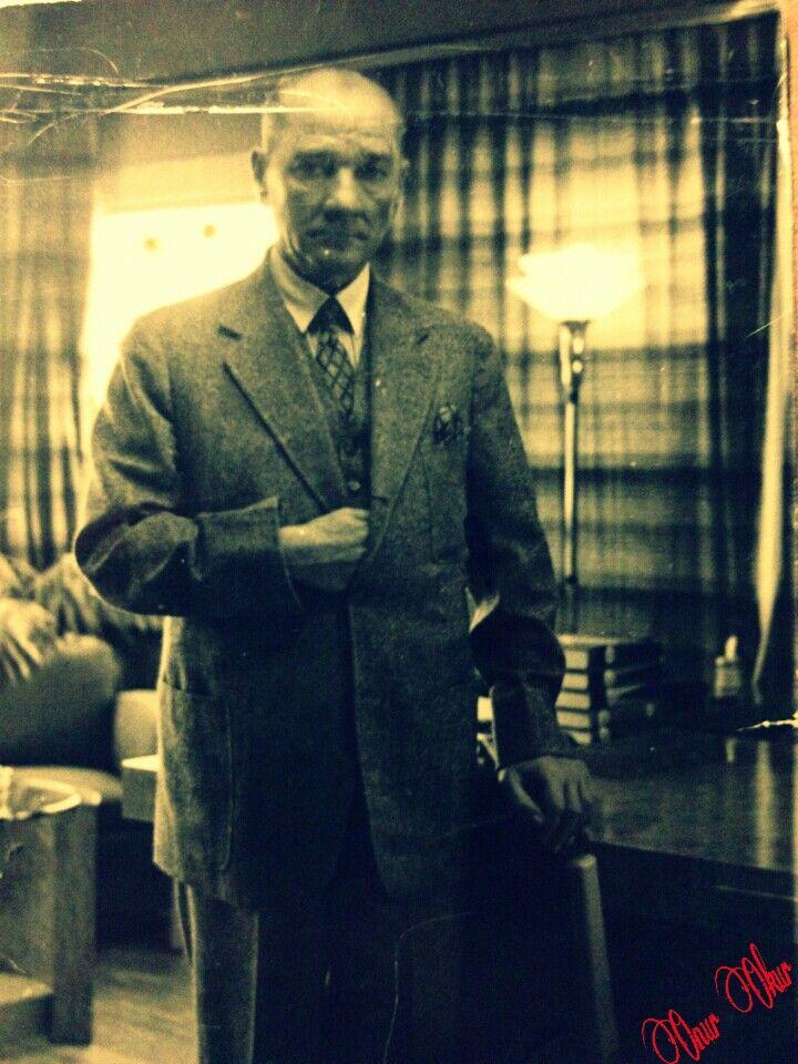 Atatürk Savarona Yatı'nda, belkide son fotoğrafı...