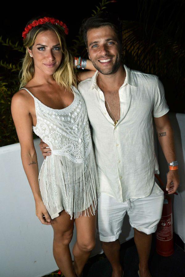 Bruno Gagliasso e Giovanna Ewbank com look total branco .