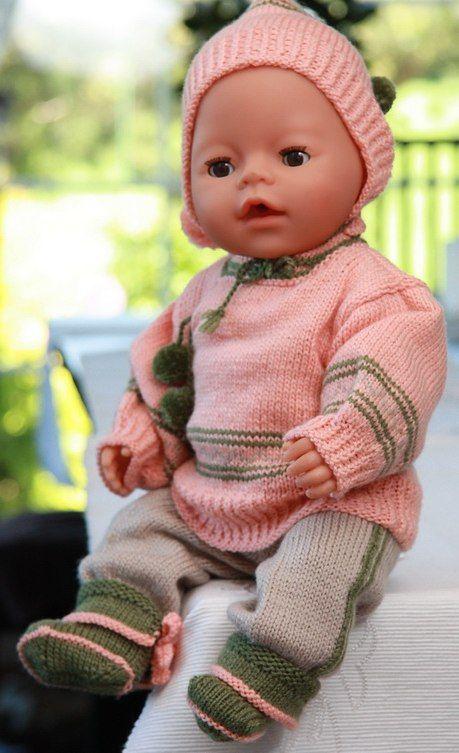 Gorgeous knitting patterns for 18 inch dolls in summery peach and beige