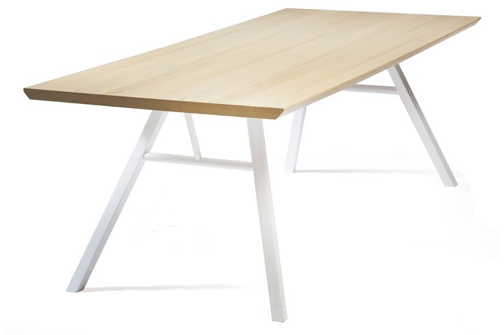 NANDO Table in natural ash w. white ash legs