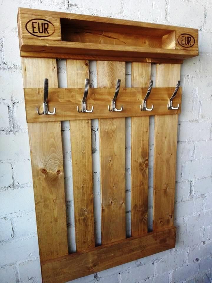 DIY Wood Pallet Coat Rack with Shelf   Pallet Furniture DIY