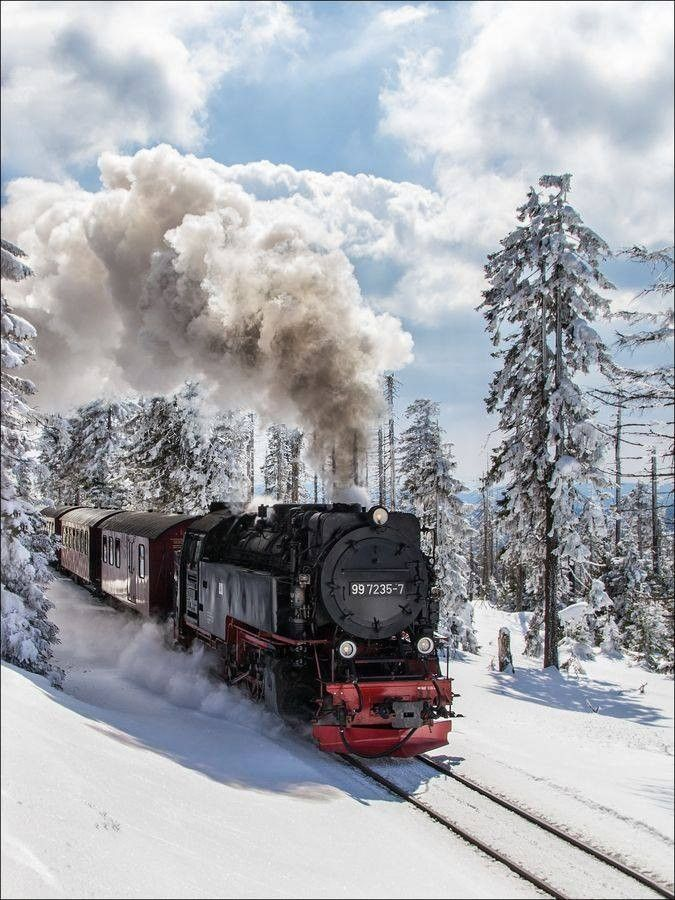 Would love to be on this... Train dans la neige by fabimeuh on 500px