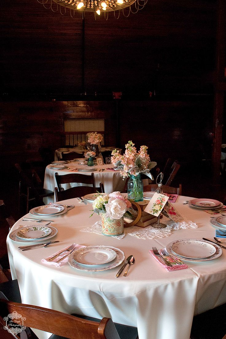 Vintage Wedding Tablescape decor with mismatched china from Howell Family Farms Wedding - Blog - RENT MY DUST Vintage Rentals