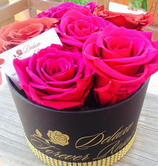 Örök rózsabox gravírozott rózsával:6örök rózsa:Ár:18.000Ft