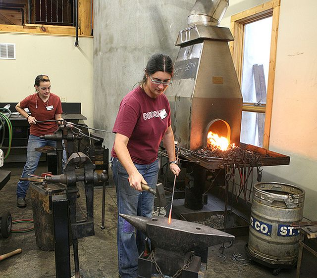 Blacksmithing Building Skills with Susan Hutchinson at the John C. Campbell Folk School | folkschool.org
