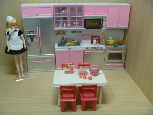 Modern Comfort Barbie Kitchen Re Ment Cabinet Size