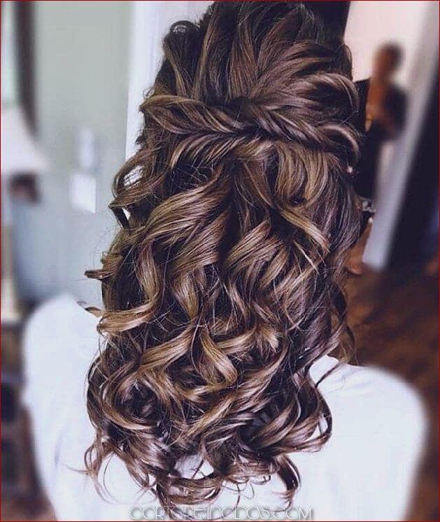 50 Ideas Modernas Para El Peinado De Bodas Con Impresionantes Trenzas Rizos Y Peinados B Hair Styles Easy Curled Hairstyles Braided Hairstyles For Wedding