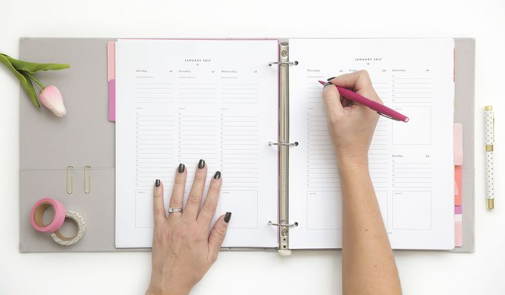 First of all, just looking at the @restored316website will make your eyeballs pleased. Its clean and elegant feel is exactly the aesthetic you'll also find throughout the 2018 Restored316 Business Printable Planner(which even includes 14 digital spreadsheets). This comprehensive planner is perfect for the business babe with daily task lists, business sheets (for tracking progress with website analytics, sales, and reach), and finance sheets.