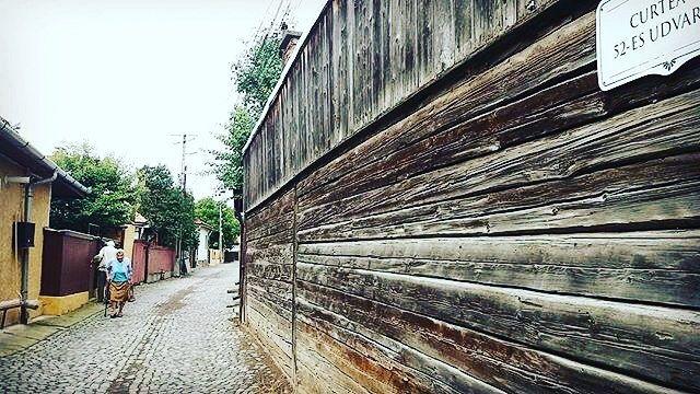 #kézdivásárhely #52esudvartér : @csandi95 -------- #boostingromania #promovezromania #ig_romania #transylvania #romaniamagica #szeklerneumarkt #visitkezdi #townofcourtyards #szeklerland #instamagazine_ #theweekoninstagram #ig_europe #vacation  #explore #travel #dicover #nature #passionpassport #bbctravel #beautifulmatters  #visualsoflife