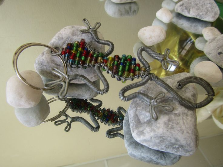 "African crafts/Lizard sculpture keychain made of beads and wires/Miniature Lizard-3.5""-9cm/For car,home,living room,bedroom,office,motorbike by handicraftafrica on Etsy"