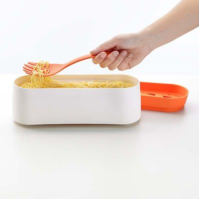 5. Sposób na zdrowy pełno ziarnisty makaron. Włóż do pojemnika makron. Zalej niewielka ilością wody. Wstaw do kuchenki mikrofalowej na ok. 4-8 min. Więcej znajdziesz na mykitchen.pl #kuchnia #homedecor #zdrowegotowanie