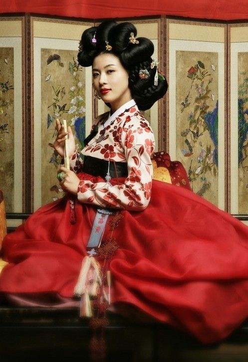 shades of red Korean hanbok. Don't care if it's wedding ...
