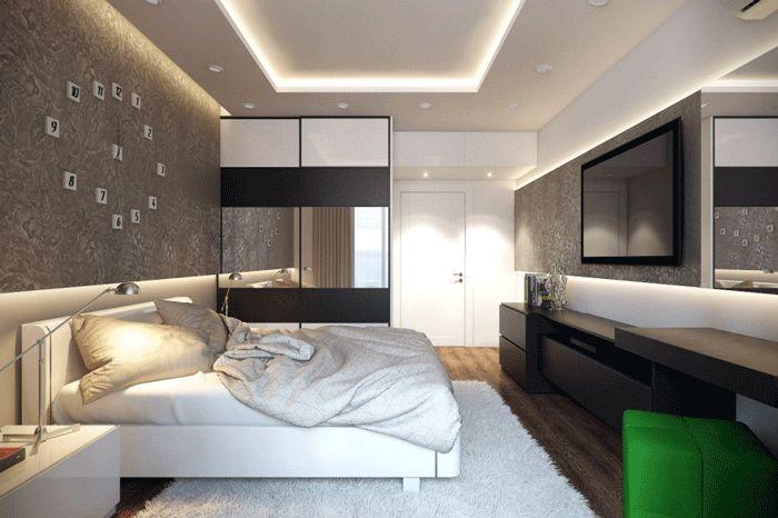 Отделка спальни. На полу ковер. Флизелиновые обои на стенах.