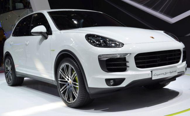 Hybrid SUV 2015 Porsche Cayenne Hybrid Handling, Features 2
