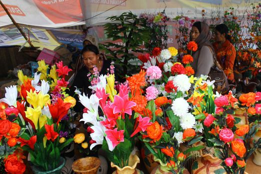 Flowers: Available for sale were various goods such as flowers, pottery, children's toys, local cuisine and clothing. ...