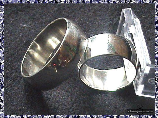 anillos de compromiso en oro blanco en Veracruz México y anillos matrimoniales https://www.webselitemx.com/anillos-de-compromiso-y-matrimoniales-boda-veracruz-m%C3%A9xico/