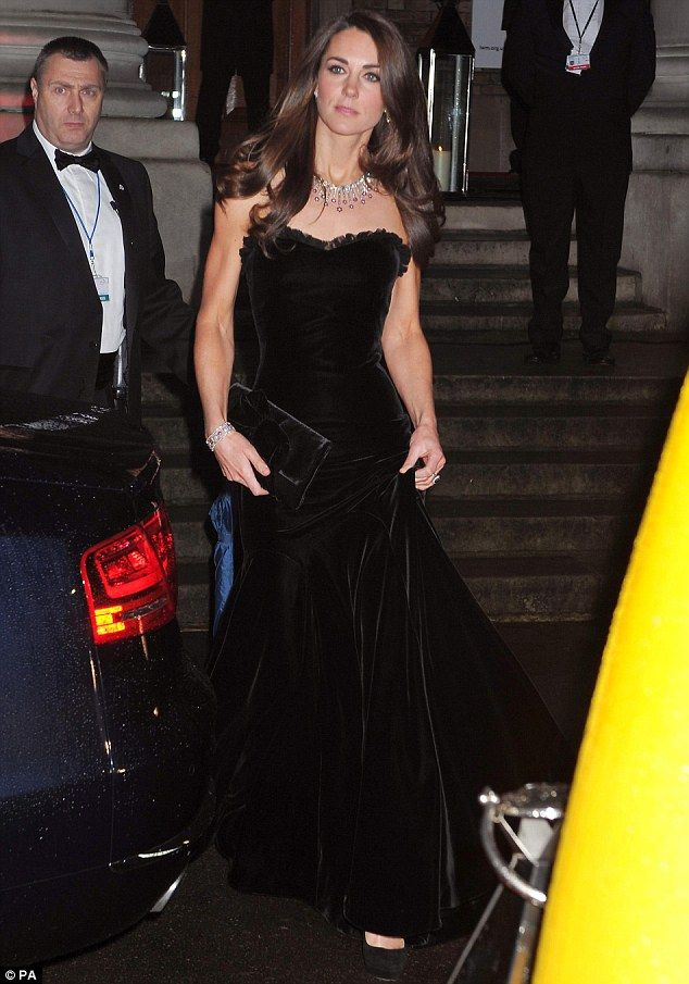 Kate looking gorgeous at the Military Awards on 12/19/11