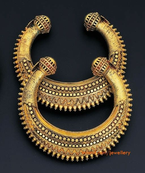 Gold kadas (a type of bangle) from South India #bridal