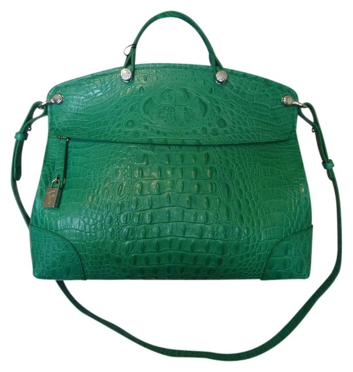 Furla Piper EMERALD GREEN Cross Body Bag. Get the trendiest Cross Body Bag of the season! The Furla Piper EMERALD GREEN Cross Body Bag is a top 10 member favorite on Tradesy. Save on yours before they are sold out!