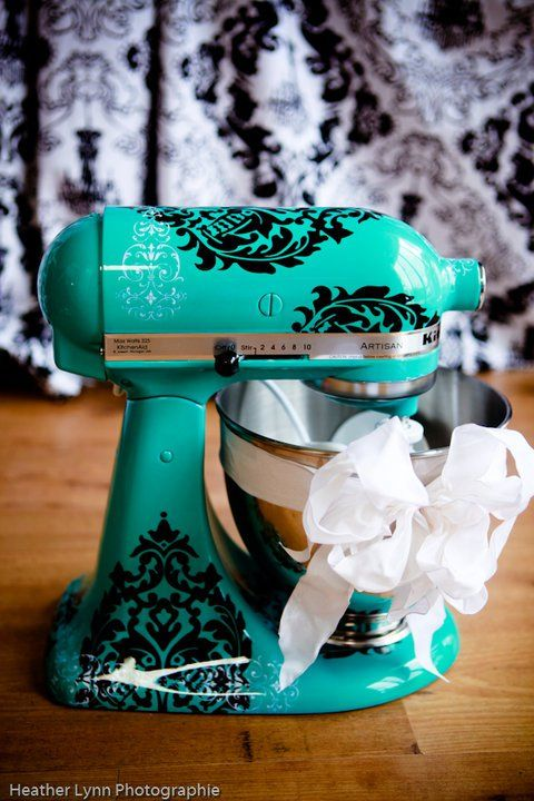 Custom painted Kitchen Aid mixers. . .want: Kitchens, Kitchen Aid Mixer, Kitchenaid Mixer, Craft, Idea, Color, Stand Mixers, Vinyl Decals